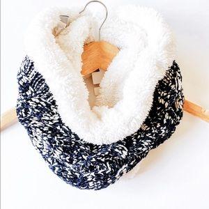 Sonoma  Women's Off white scarf